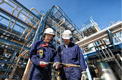 Refinery oil and gas workers - Airswift