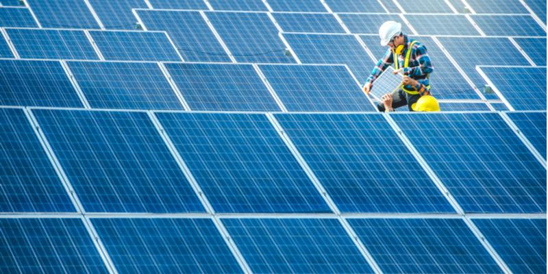 Solar energy_asian worker