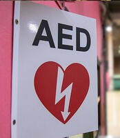 safety-aed-sign