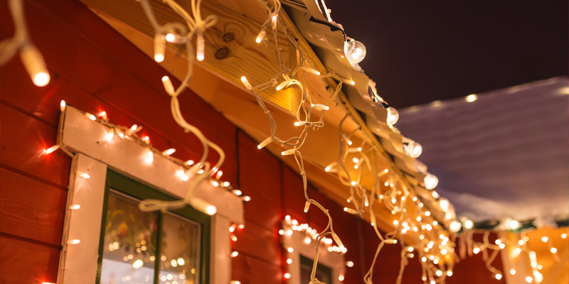 winter-holiday-christmas-lights-house
