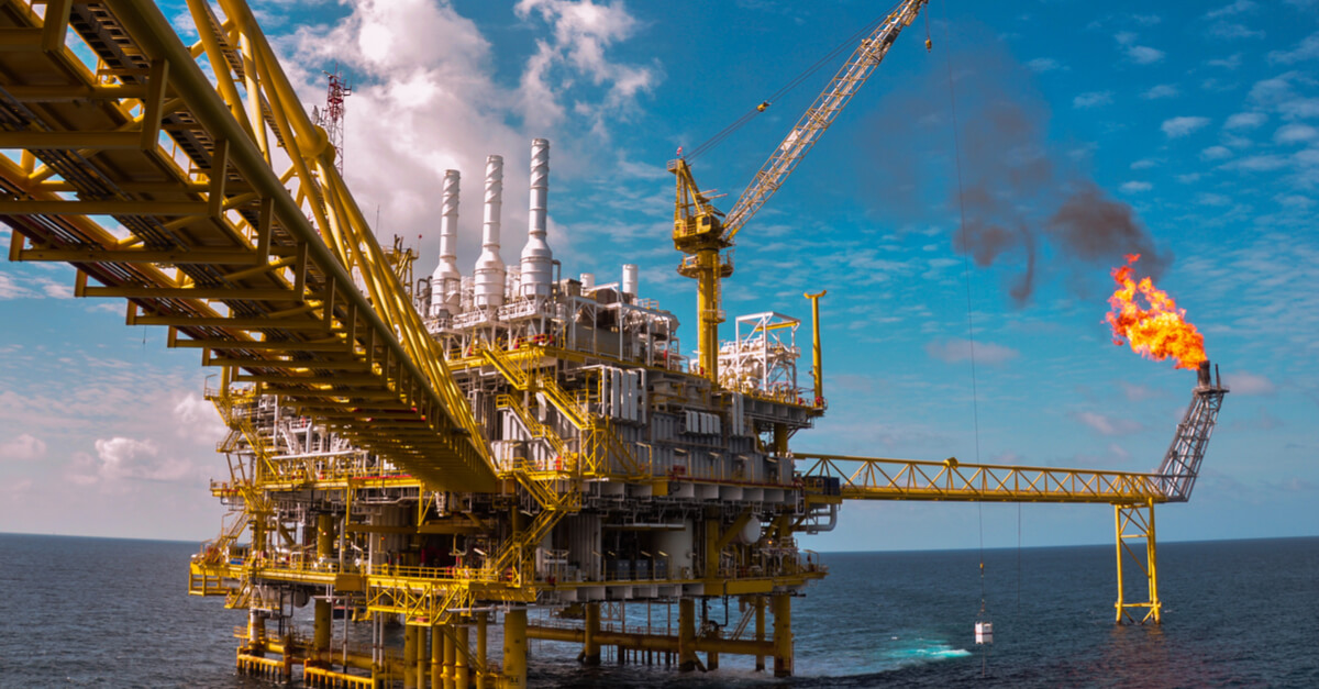 Oil and gas platform with gas burning web