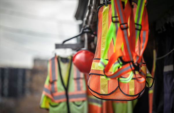 safety-ppe-vest-construction-equipment